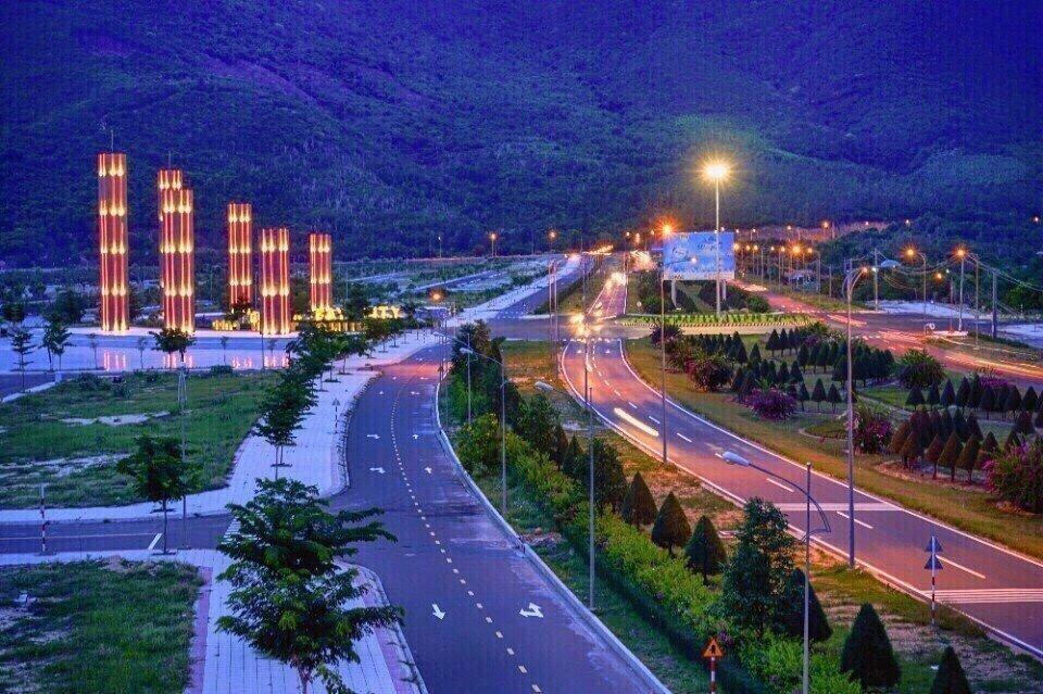 Cơ sở hạ tầng về đêm Golden Bay